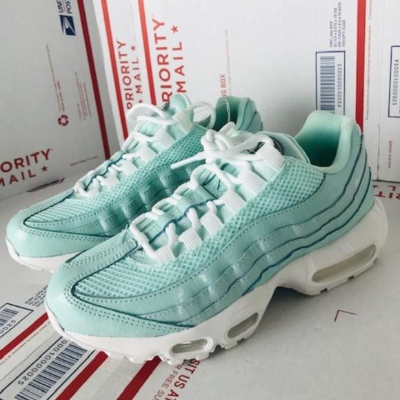 Nike Womens Air Max 95 807443 300 Size 7